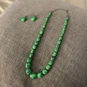 Green turquoise beaded necklace w/ silver findings